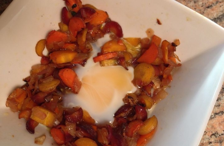 Reheat veggies w/poached egg